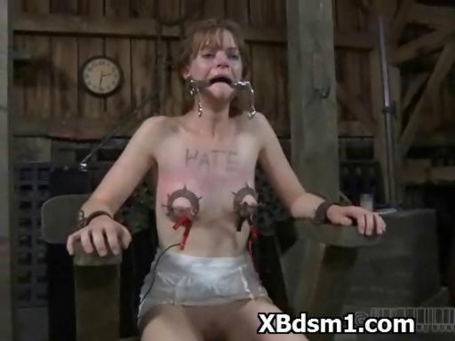 female pain Bdsm