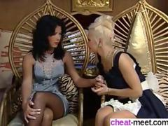 licking the wet pussy and the lesbo sex rocks