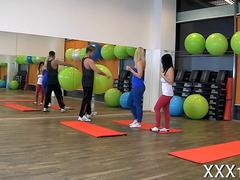 Hot babes in yoga pants foursome fucking after a gym workout