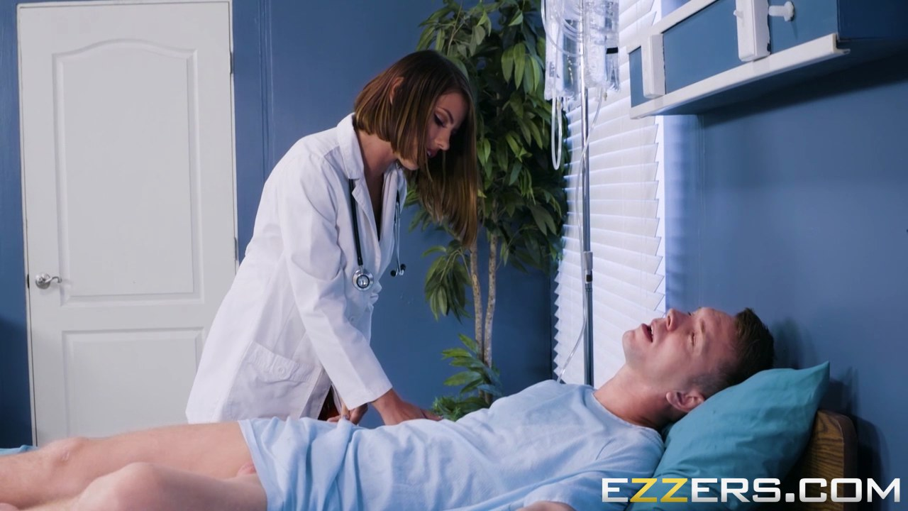 Doctor Kylee Strutt is rushing to help her patient with her tight cunt  1170700