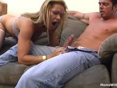 MILF Kelly Leigh Hardcore Pussy Fucked