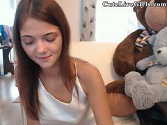 Live Webcam CuteLiveGirls.com Innocent Latino Fisting Part 1