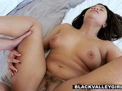 BlackValleyGirls - Nubian Nympho Loni Legend Treats Man With Odd Request With Good Sex