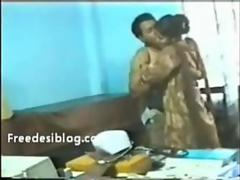 Bangladeshi Doctor Fuck in Clinic