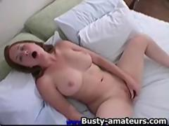 Ginger toying her pussy on the bed video