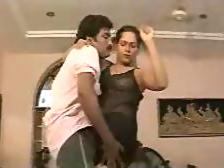 Classic indian Sindhu mallu aunty dancing and exposing boobs