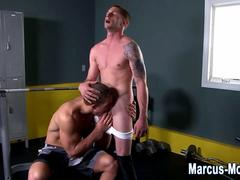 Pornstar jock sucks dick and gets sucked himself
