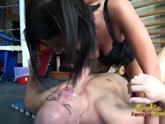 Corset girl rubbing pussy against guy face video