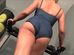 she is a hot milf in the gym yearning for a cock