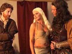 Daenerys Targaryen the MILF of Dragons Sex Game of thrones?