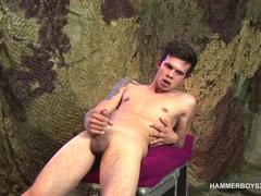 Hung Patrik Green Beats His Meat