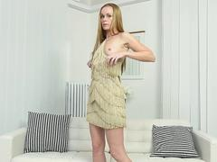 Horny cougar Nica solo tape
