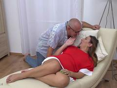 Mature receives a hard fuck