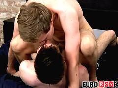 Handsome Zac Langton rides big dicked twink Jonny Parker