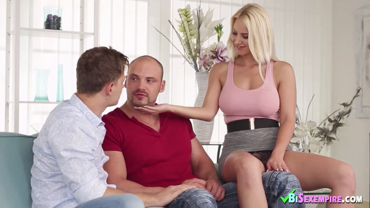 Naomi1 outdoor sex in a career