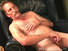 Mature Amateur Curtis Jacks Off