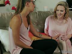 TS Kayleigh Cox fucks her girlfriend