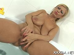 Powerful pussy loving action