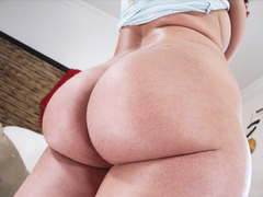Kelly Divine gets anal pounded