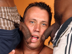 Inexperienced white guy sucking black dongs